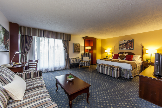 Guest Rooms and Suites in Downtown Montreal Montreal Lodging