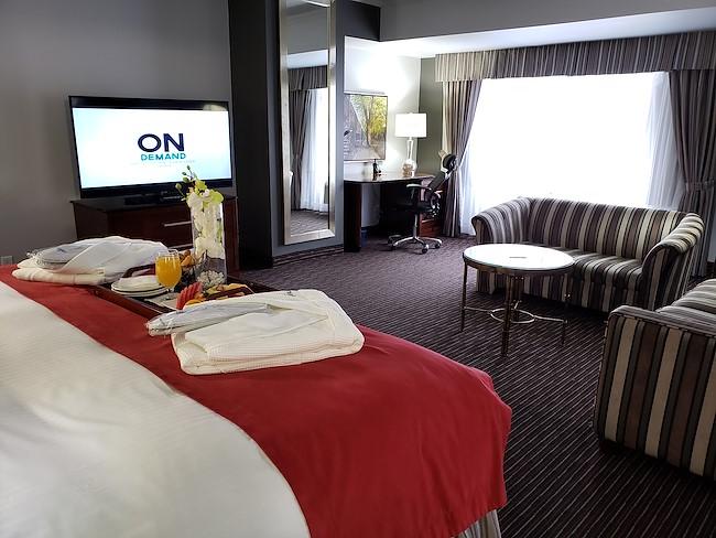 King Corner Hotel Room in Montreal